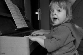 DSC00794 pianiste en herbe 2