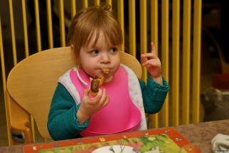Eloise et le repas DSC01415