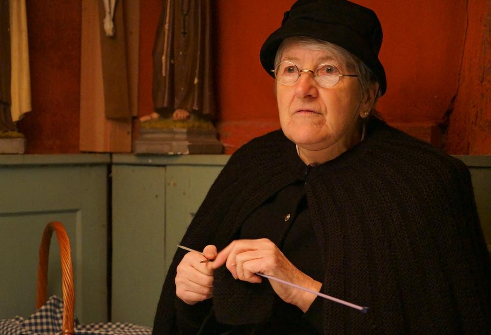 La vieille dame et le tricot DSC02214