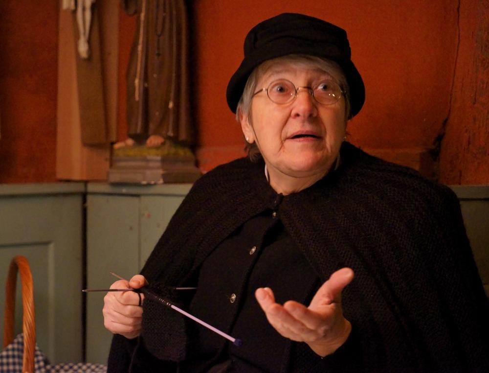 La vieille dame et le tricot DSC02217