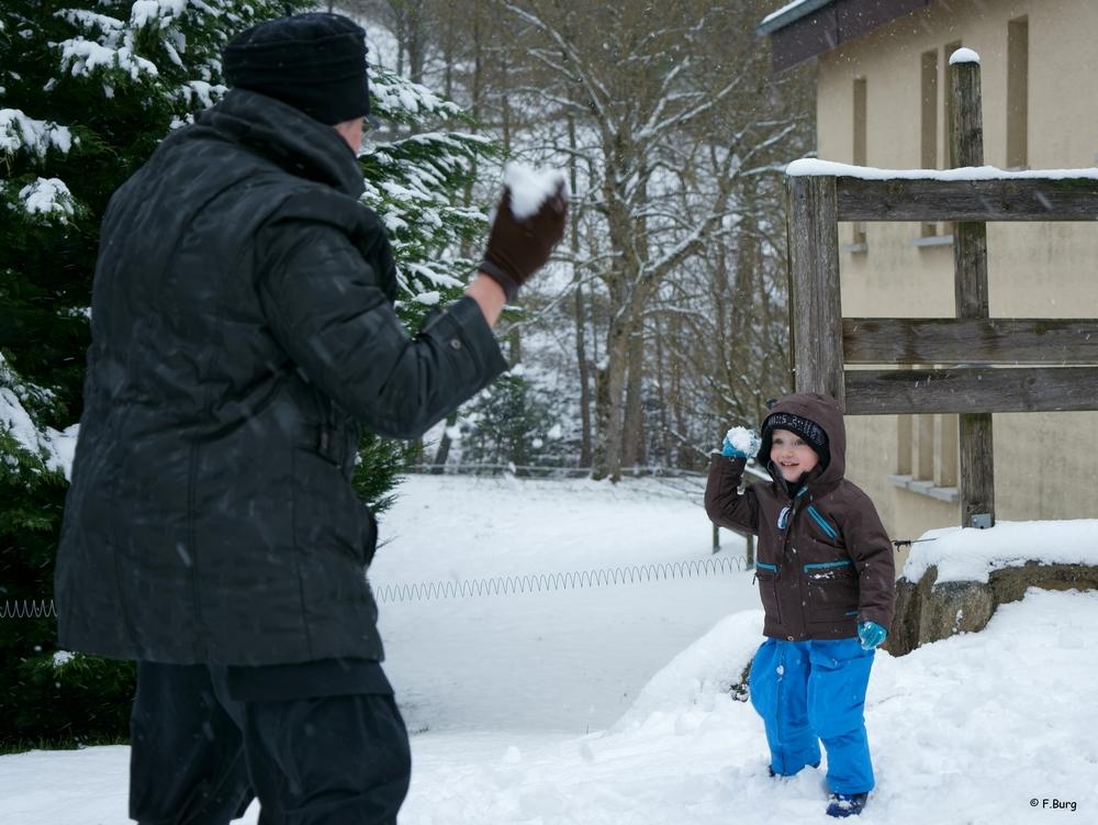 Bataille boules de neige (2) DSC00222
