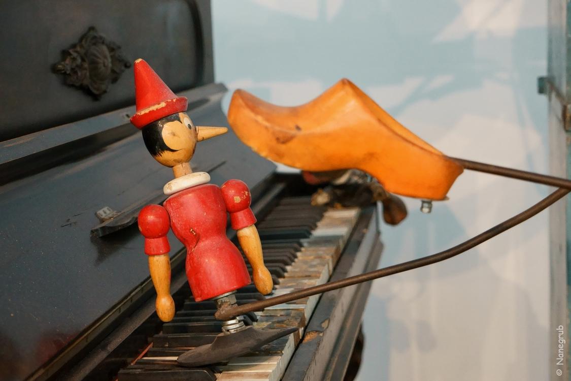 Piano - Pinocchio - Tinguely - DSC04305